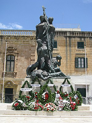 Sette Giugno - The Sette Giugno monument, in its original location in Palace Square, Valletta.