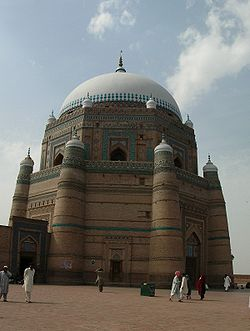 Side view of the Shah Rukn-I-Alam mausoleum