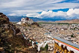 District in Tibet Autonomous Region, People