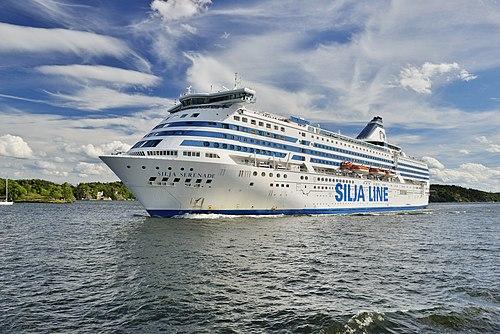 Silja Serenade in Stockholm.jpg