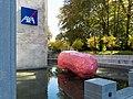 Skulptur des Künstlers Franz West neben dem Eingang der AXA in Winterthur.jpg