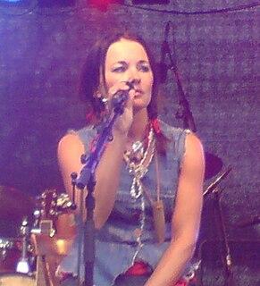 Sophie Zelmani Swedish singer-songwriter (born 1972)