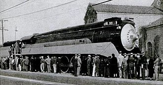 Southern Pacific class GS-2 - The debut of Southern Pacific's Daylight in 1937.