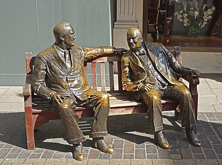 Allies (1995) by Lawrence Holofcener, a sculptural group depicting Franklin D. Roosevelt and Churchill in New Bond Street, London Special Relationship%3F (geograph 4125450).jpg