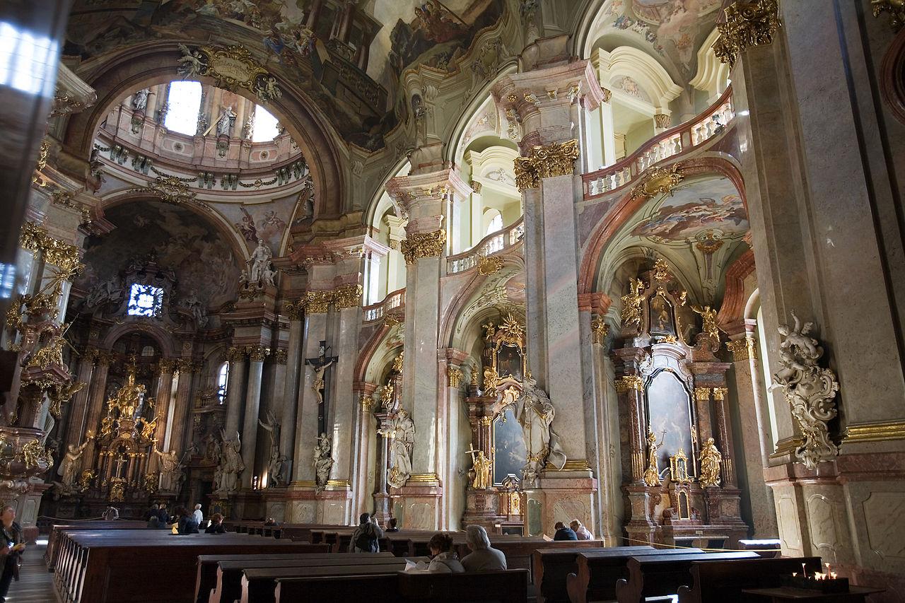 File:St Nicholas Church Prague - 7825.jpg - Wikimedia Commons