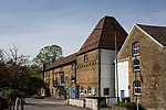 File:Staines Oast House, Kingston Road, Staines - geograph.org.uk - 778112.jpg