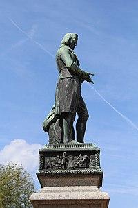 Statue Berthollet Annecy 9.jpg