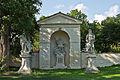 Statue Johannes Nepomuk - Nischenkapelle Grafenegg.jpg
