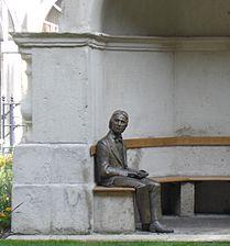 Statua di John Keats al Guy's Hospital, scolpita da Stuart Williamson