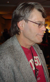 photographie de Stephen King de profil