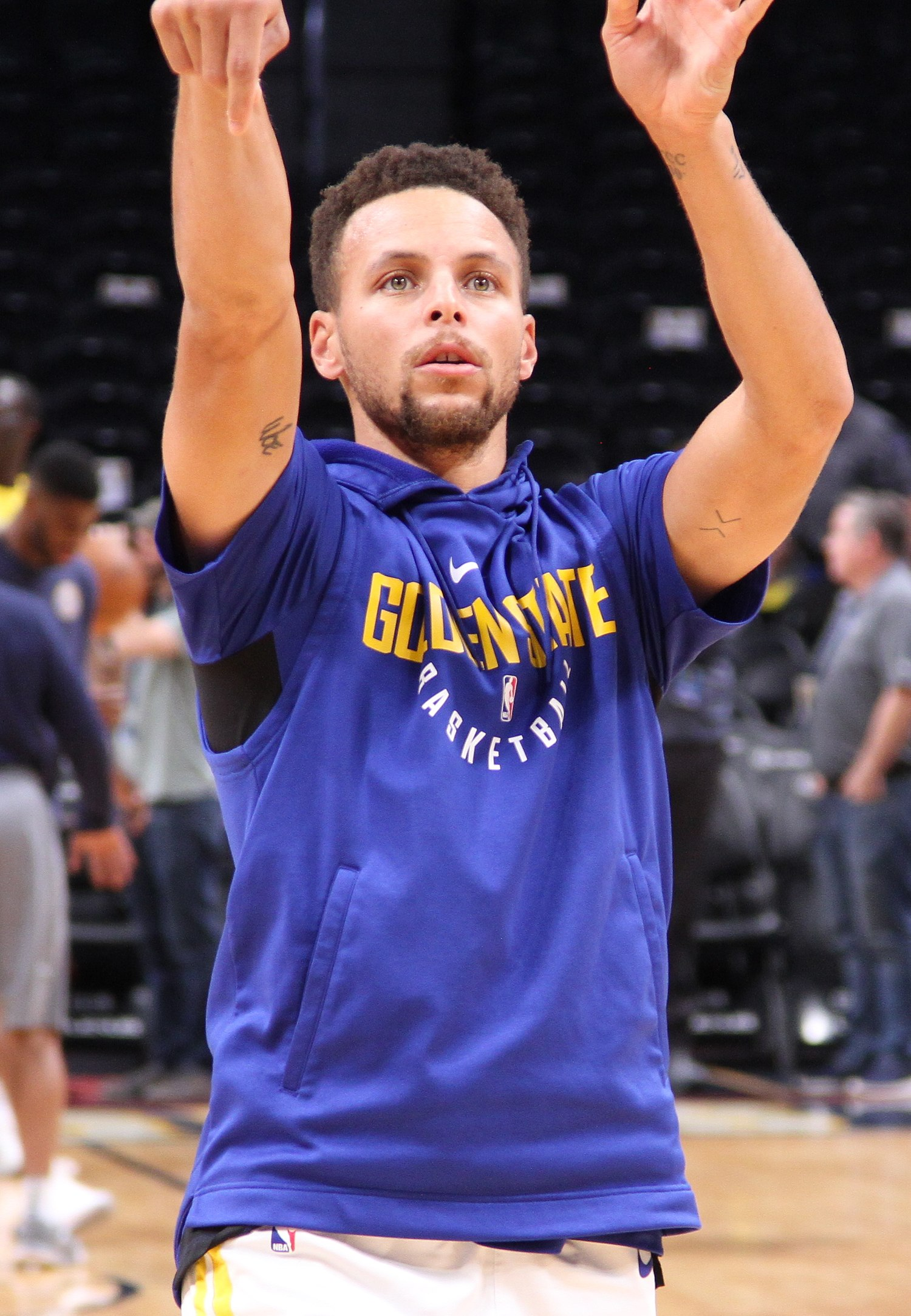 Stephen Curry Shooting (cropped).jpg