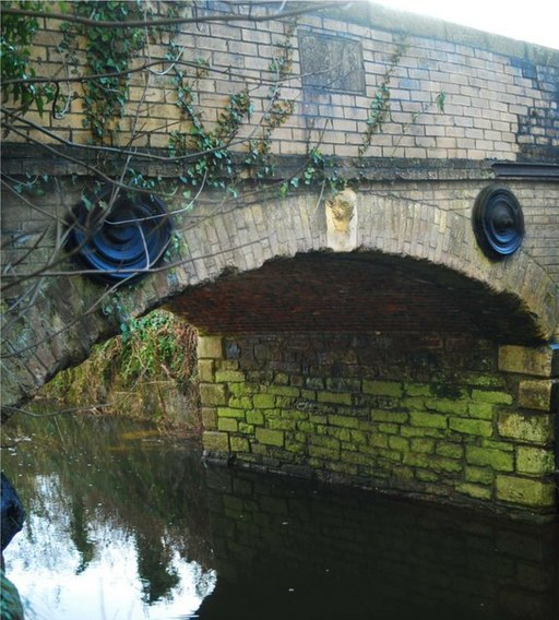 Stover Canal Bridge - geograph.org.uk - 1673170