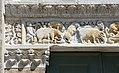 Taglia di biduino, portale sinistro della pieve dei Santi Ippolito e Cassiano (San Casciano di Cascina) xii secolo, 02 animali.jpg