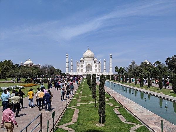 Taj Mahal March 2019.jpg