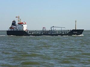 Tanker Finja 2012-08-12 (2).jpg