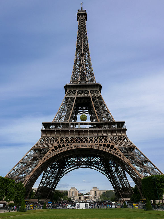 File The Eiffel Tower 29 May 2015 Jpg Wikimedia Commons