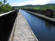 220px-The_Union_Canal_Avon_Aqueduct_-_ge