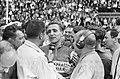 Tour de France , Rogier Riviere wordt geinterviewd, Bestanddeelnr 911-3763.jpg