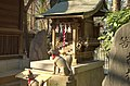 Tsunohazu Kurumi-Shita Inari Shrine(Tsunohazu Under-the-Walnut-Tree Inari Shrine) - 角筈胡桃下稲荷神社 - panoramio.jpg