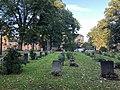 Tumbas en el cementerio de la Iglesia de Catalina.jpg