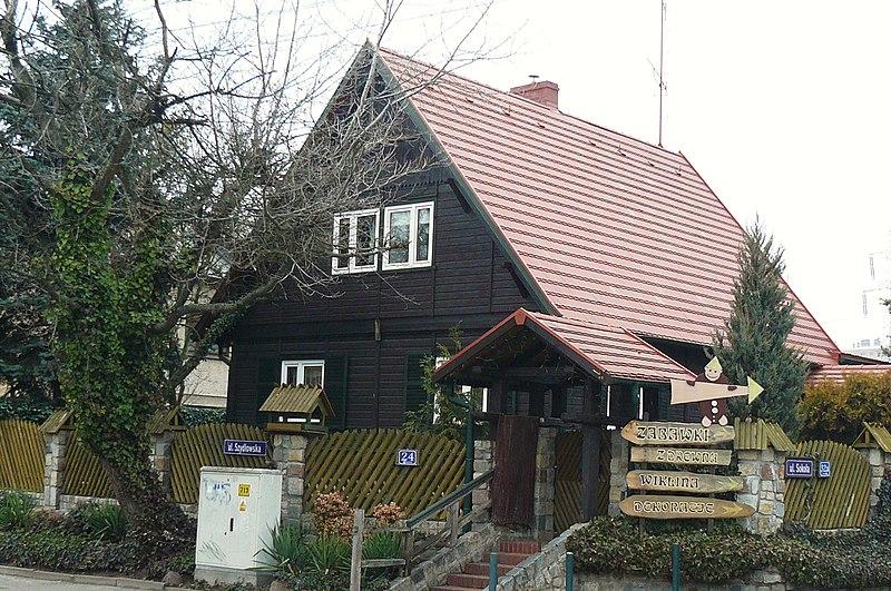 File:UNRRA house, Poznan, Szydlowska street.JPG