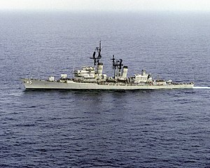 USS Dewey (DDG-45) underway at sea on 17 October 1987.jpg