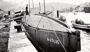 USS O-12 (SS-73) - Image: USS Nautilus USS O 12