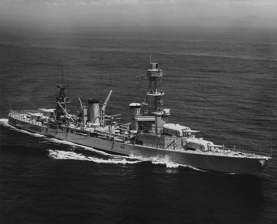 USS Pensacola (CA-24) underway at sea in September 1935 (NH 97838)