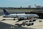 UnitedN19117-B752-GateEWR-Aug2013 (26252088508).jpg