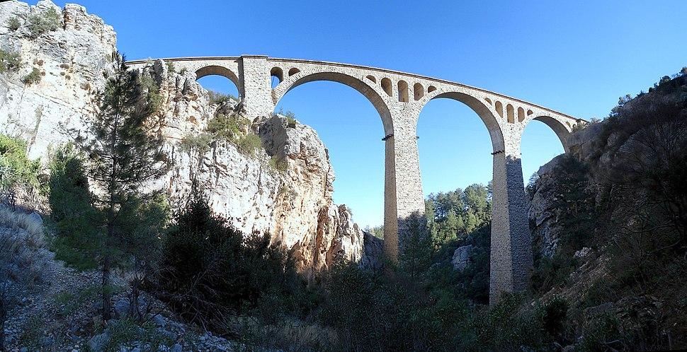 Varda Demiryolu Koprusu