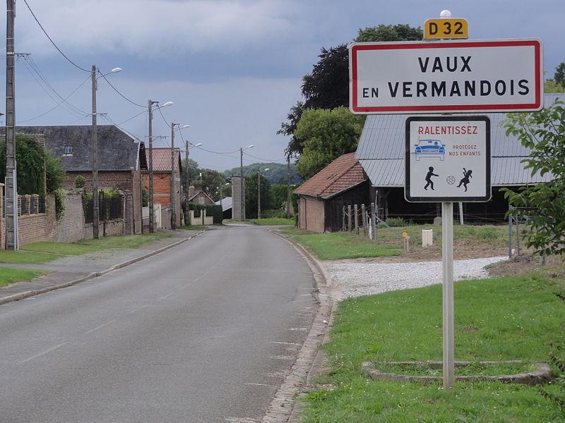 Vaux-en-Vermandois (Aisne) city limit sign