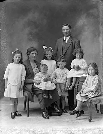 1925 in Ireland - Veale family of Dunhill, County Waterford, photographed in 1925.