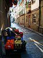 Venda de frutas na Rua de Santa Maria.jpg