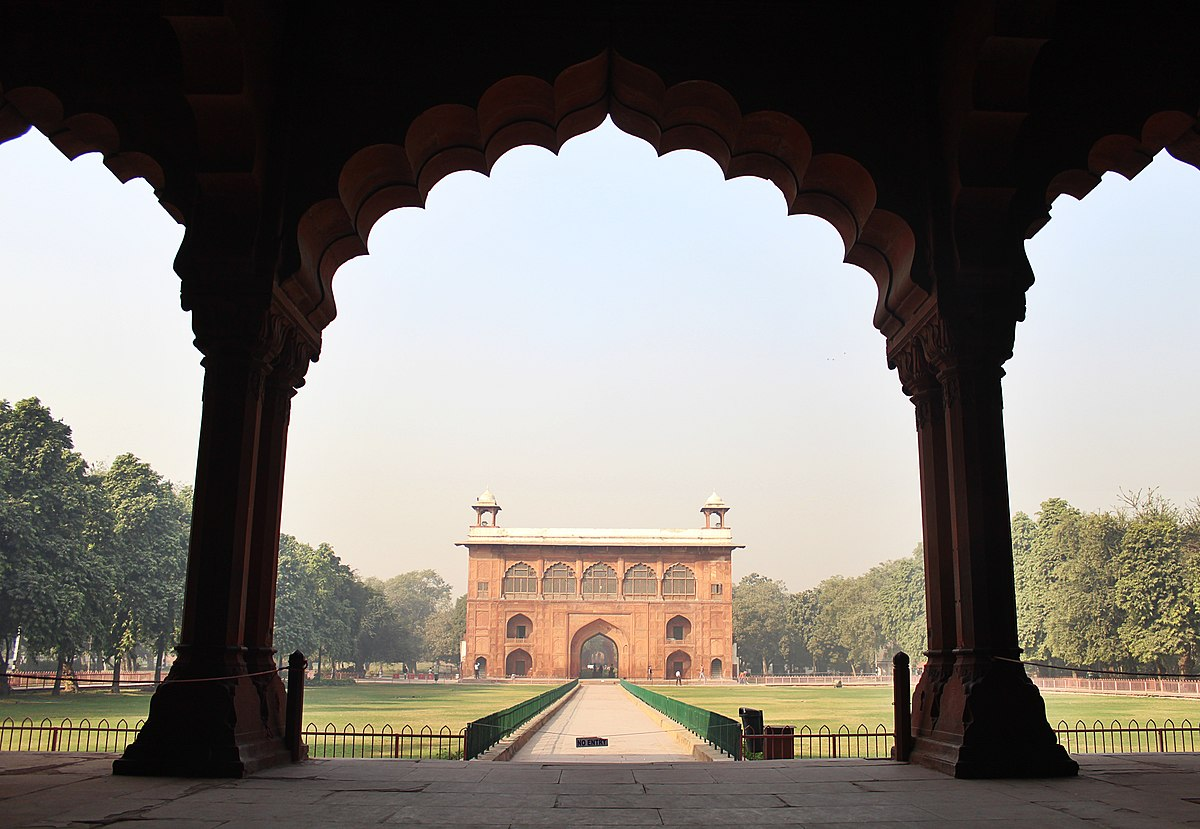Diwan-i-Aam arches | Red Fort Delhi, India lucidtravels