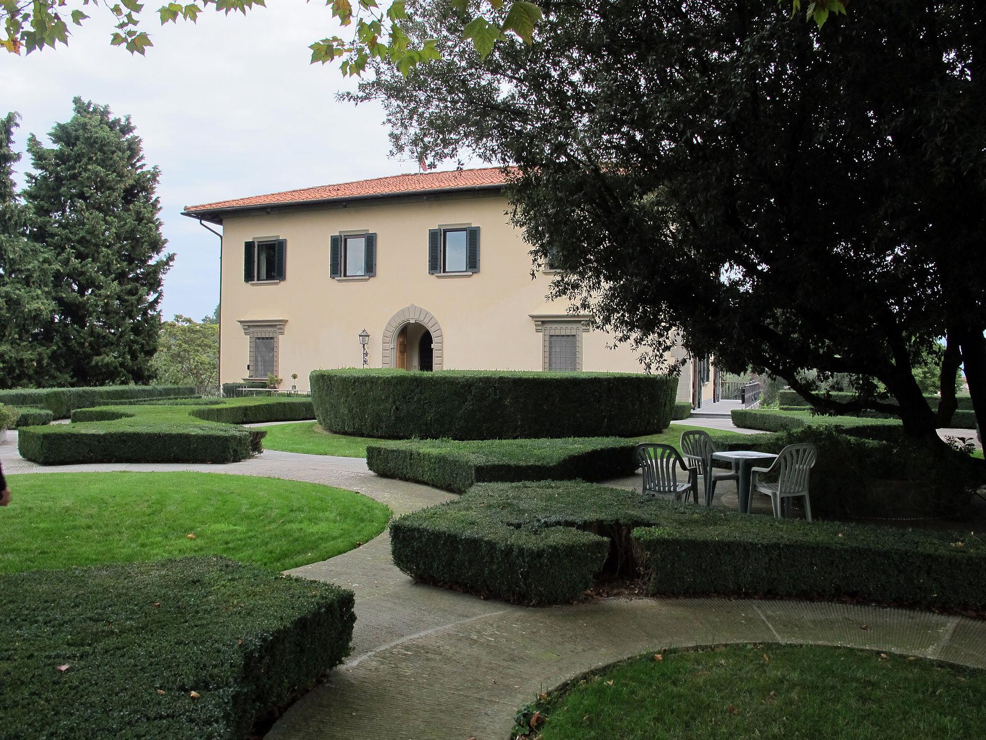 Villa Del Roseto Via