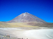Volcan Licancabur Bolivia.jpg