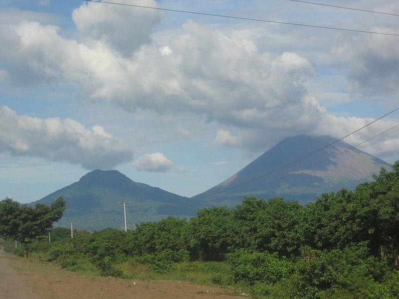 Panorámica Volcanes San Cristóbal y Chonco, Chinandega