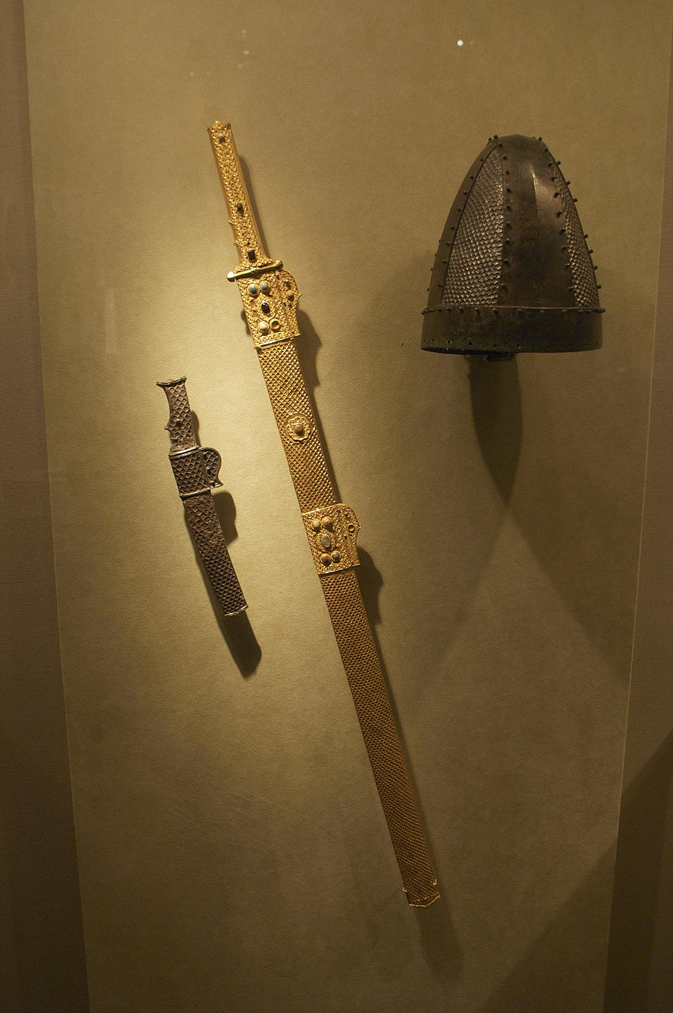 WLA metmuseum Sword and scabbard Iran 7th century
