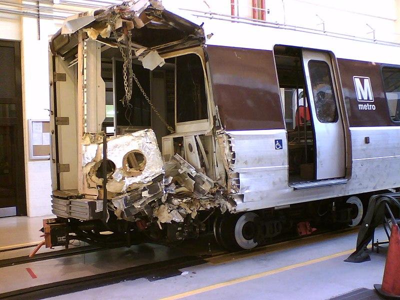 WMATA CAF 5152 derailment.jpg