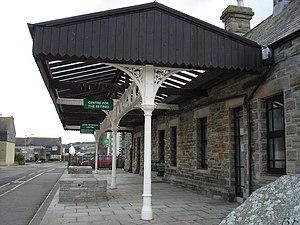 Wadebridge railway station - Restored platform canopy