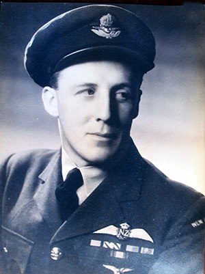 Thomas W. Horton (pilot) - Wing Commander Thomas W. Horton in 1945