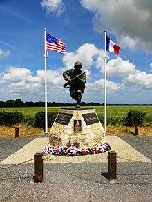 Le monument Dick Winters à Sainte-Marie-du-Mont 407d75e8f