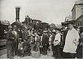 Wyjazd na kolonie Dworzec Wiedeński w Warszawie 1892.jpg