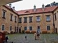 Zámek Grabštejn nádvoří 2.jpg