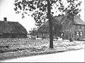 Zij- en voorgevel nr. 34 Lit.- Traditionele boerderijen..., R. Kalksma, Zeist 1983. - Rhenen - 20485904 - RCE.jpg