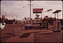 """NO GAS"" SIGNS WERE A COMMON SIGHT IN OREGON DURING THE FALL OF 1973. THIS STATION ON THE COAST WAS OPEN FOR ANY... - NARA - 555415.jpg"