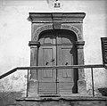 """""""Pərton"""" in vrata z letnico 1839. Zakriž 1954.jpg"""
