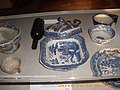 """Willow pattern"" dinner service recovered from the Tayleur.JPG"
