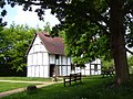 , Bromsgrove cottage of 15 century - panoramio.jpg