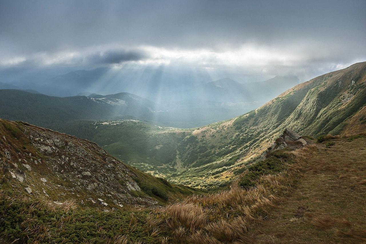 Parque Nacional de los Cárpatos, ubicado en el monte Goverla. Ivano-Frankivsk Oblast, Ucrania